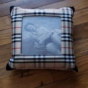 NWOT Argento SC pillow frame